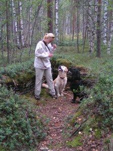 Anna, Kassu and Flippe near the cache